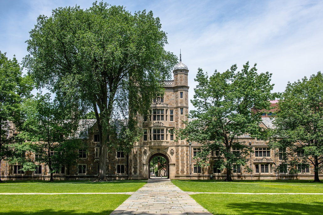 5 Ways to Save on New England College Costs