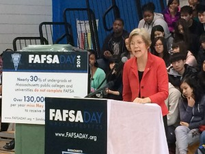 Senator Warren Speaks at FAFSA Day
